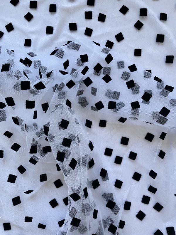 Tiulis baltas su juodais kvadratėliais minkštas